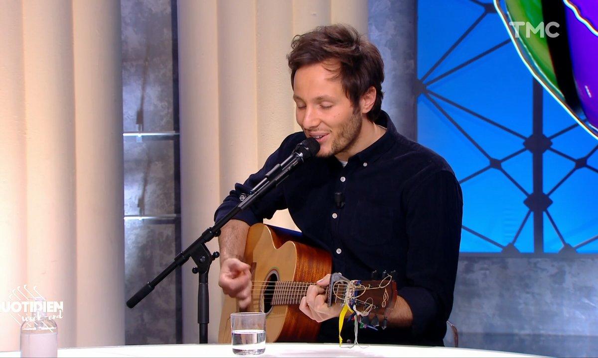 Vianney nous chante l'amour sur le plateau de Quotidien