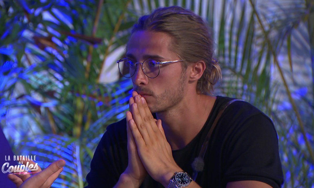 Vincent et Dylan pensent que leurs copines entretiennent une liaison