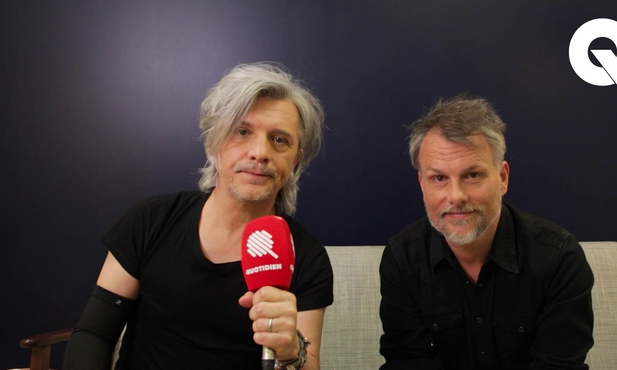 Qoulisses : l'interview ANNIVERSAIRE d'Indochine