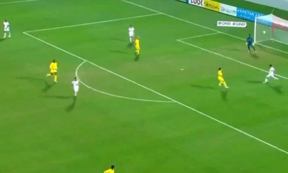 VIDEO - Le but incroyable de l'équipe entraînée par Xavi