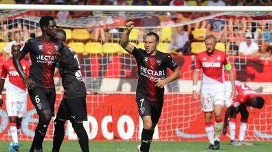 Ligue 1 - Monaco s'auto-détruit, Nîmes en profite
