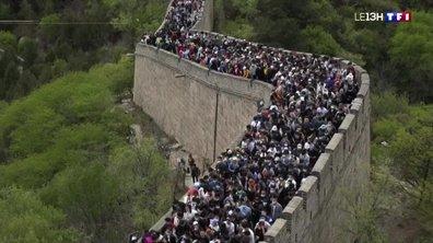 1er mai : la Muraille de Chine bondée de monde