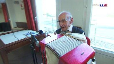 À 101 ans, Léon Séryes joue toujours de l'accordéon