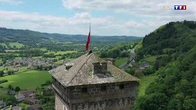 À la découverte du château de Pesteils dans le Cantal