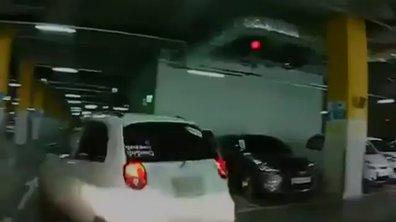 Insolite : une conductrice panique et détruit trois voitures en voulant se garer