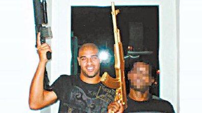 People : Adriano crée la polémique avec une arme