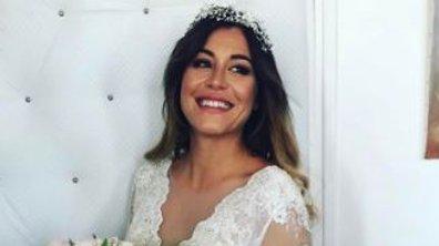 Les premières images du mariage surprise d'Anaïs Camizuli