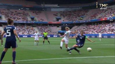 Angleterre - Ecosse (1 - 0) : Voir la volée d'Ellen White et le bel arrêt de Lee Alexander