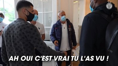 VIDEO - Quand Deschamps trolle Mandanda après le pénalty d'Aouar