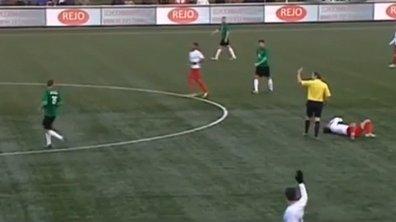 VIDEO Insolite : l'arbitre met un joueur KO