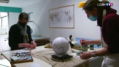 Artisans étonnants : il fabrique des globes terrestres