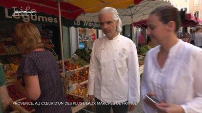Au cœur du marché d'Apt, l'un des plus réputés de Provence