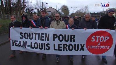 Au moins 500 agriculteurs ont marché à Reims pour soutenir leur collègue incarcéré