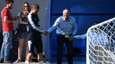 Mais que pouvait bien faire Jean-Michel Aulas à l'entraînement des Bleus en Russie ?