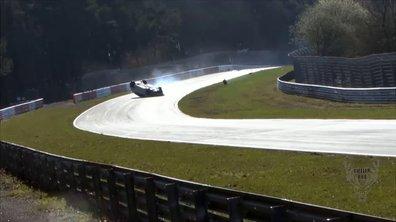 Énorme accident d'une Mégane RS sur le Nürburgring