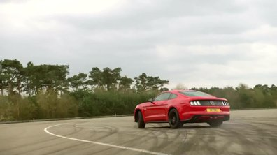 La Ford Mustang part en drift sur circuit !