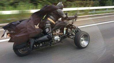 Insolite : Batman surpris sur la route au Japon