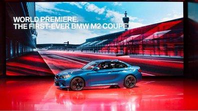 BMW présente son stand sur le salon de Detroit 2016.