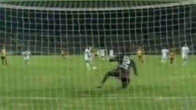 VIDEO Insolite : le penalty le plus roublard !
