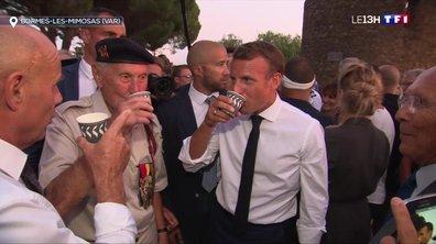 Bormes-les-Mimosas : un bain de foule pour Emmanuel Macron