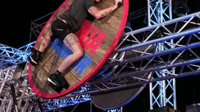 Frédérick Bousquet : grosse maîtrise du plongeon  – Ninja Warrior