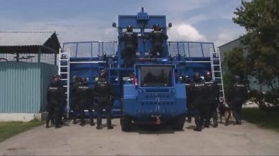 Bozena Riot : L'impressionnant véhicule anti-émeute