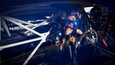 Le pilote Bryce Menzies s'apprête à réaliser le plus long saut du monde en pick-up