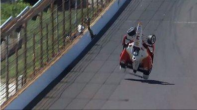 Vidéo - 500 miles d'Indianapolis : L'accident spectaculaire de Castroneves