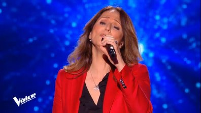 """The Voice 2021 - Nayah, le sosie de Céline Dion, chante """"L'hymne à l'amour"""" de Edith Piaf"""