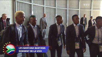 La danse des joueuses de l'Afrique du Sud en sortant de leur bus