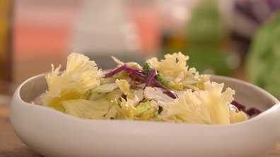 Salade de choux divers d'hiver aux rosettes de tête de moine