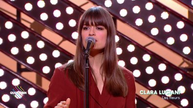 """Clara Luciani : """"Les fleurs"""" en live pour Quotidien (exclu web)"""