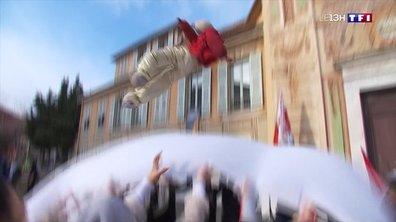 Coup d'envoi du traditionnel lancer de paillassou à Nice