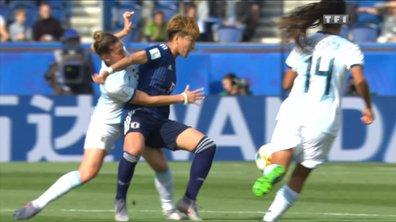 Argentine - Japon : Une joueuse argentine perd une dent sur un contact !