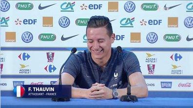 Le fou rire de Florian Thauvin en conférence de presse