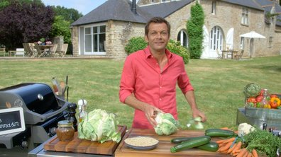 Couscous sec au sarrasin, légumes et saucisses grillées