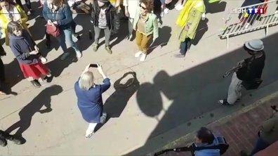 Covid-19 : polémique dans l'Yonne après un flashmob au marché