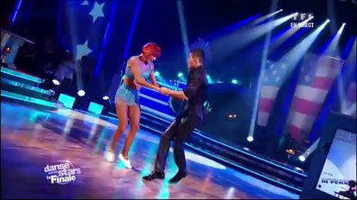 Baptiste Giabiconi et Fauve Hautot dansent un jive sur Blue Suede Shoes