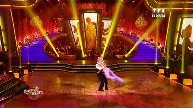 M. Pokora et Katrina Patchett dansent un fox-trot sur le thème des Drôles de dames