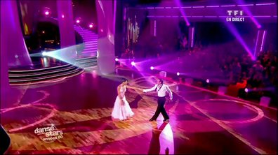 Philippe Candeloro et Candice Pascal dansent un fox-trot sur Total Eclipse of the Heart (Bonnie Tyler)