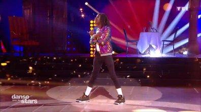 """Salif Gueye, la révélation Instragram, danse son Moonwalk sur le plateau de """"Danse avec les Stars"""""""