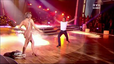 Véronique Jannot et Grégoire Lyonnet dansent une rumba sur Take My Breath Away (Top Gun)