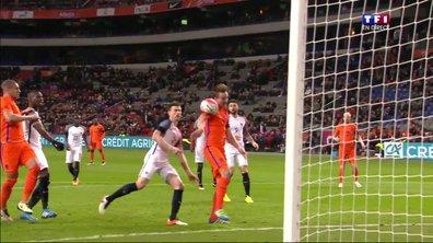 Pays-Bas – France : Luuk De Jong réduit le score du bras