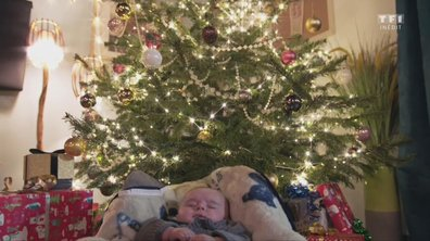 Un bébé sous le sapin de Noël ?