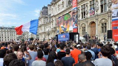 Un écran géant installé à l'Hôtel de Ville de Paris pour la demi-finale face à la Belgique