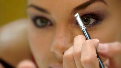 Leçon de maquillage pour Miss France
