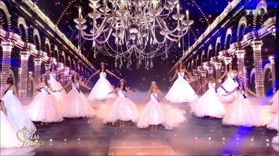 Miss France 2019 – Les 30 Miss rendent hommage à Charles Aznavour en robe de soirée