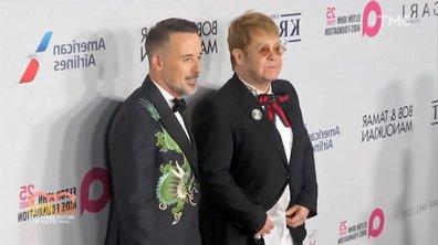 """Elton John avait-il laissé un indice sur son homosexualité dans """"Your song"""", 6 ans avant son coming-out ?"""