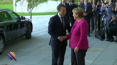 """Avec Emmanuel Macron, le """"Sauveur"""" à Berlin"""