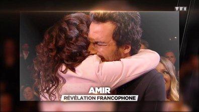 Amir en pleurs sur scène